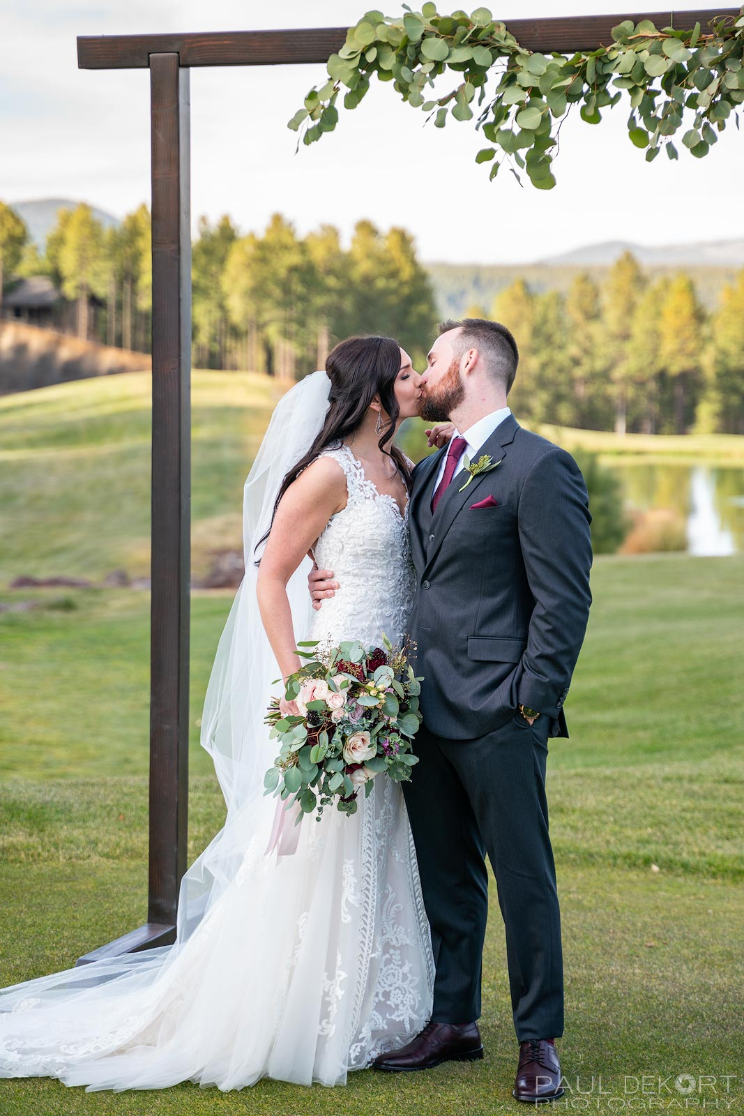 Wedding_photo_kiss_Flagstaff_Arizona2
